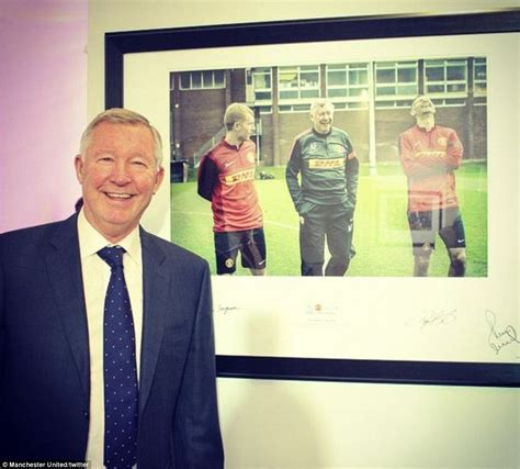 Sir Alex Ferguson Hosts Auction Of Famous Photos From His