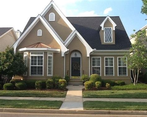 """Stucco color """"Dapper Tan"""" by Sherwin Williams. (ivoire"""
