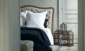 los cabeceros de cama tapizados en decoraciones romanticas