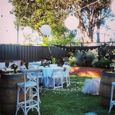 Wedding Reception In Backyard by How To Plan A Backyard Wedding Reception