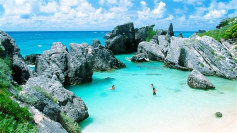A Short Travel Guide To Bermuda Which Is Weird Beautiful
