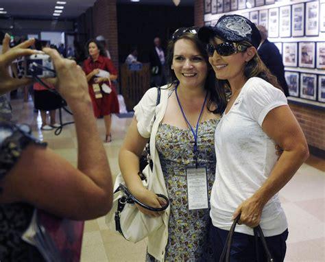 sarah palins belmont stakes trucker hat hit