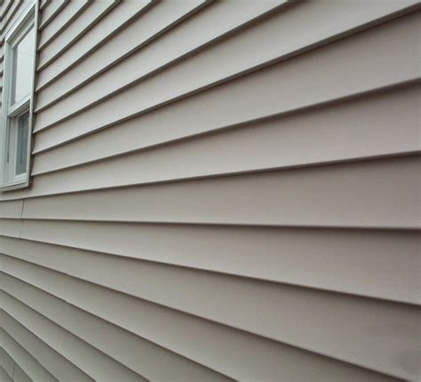 simple ways  finding    siding  storm damage