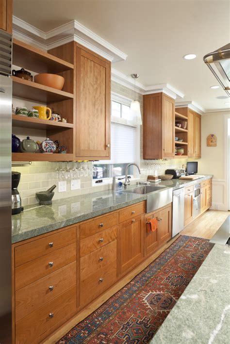 green granite colors   turn  kitchen beautiful