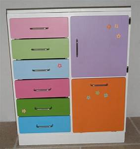 armoire enfant pas chere affordable last meubles armoire With meuble de rangement jouets chambre