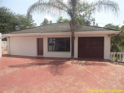 2 3 Bedroom Houses For Rent by 3 Bedroom House For Rent In Broadhurst Gaborone Roscoe
