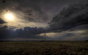 [今日の壁紙] 雲の中の太陽