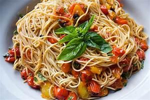 bomb, eat, food, gosaker, pasta - image #345527 on Favim.com