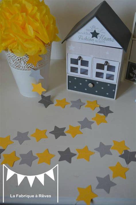 guirlande chambre bebe guirlande étoiles cousues papier gris jaune étoile