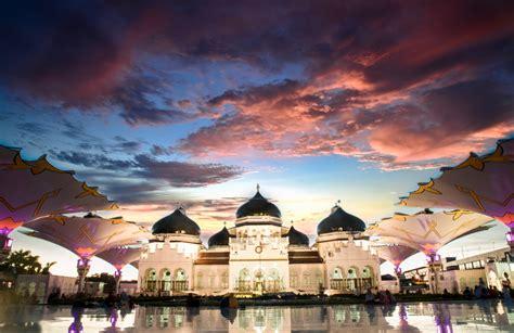 destinasi objek wisata halal    indonesia