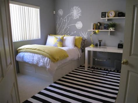 Color Combo- Yellow + Gray