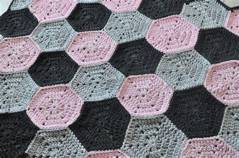 tuto tapis motif hexagone au crochet zessfr