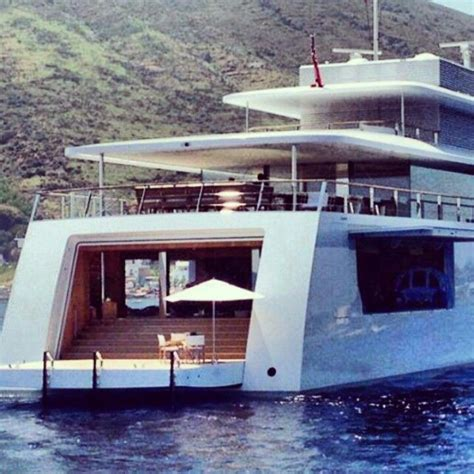 Yacht Jobs Uk by Venus Yacht Venus Jobs Mega Yacht Apple Yacht In Italy