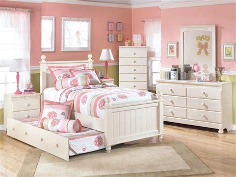 best tips for choosing best modern bedroom furniture