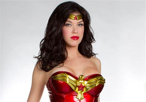 adrianne palicki icons the daily zombies first look adrianne palicki as wonder