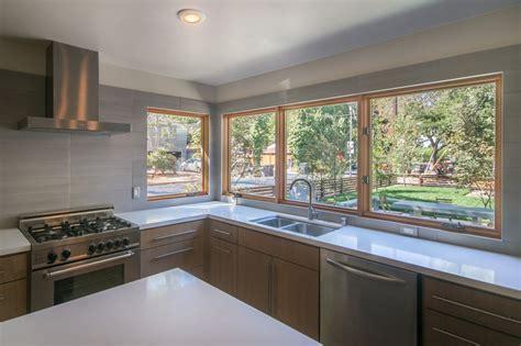 modern kitchen backsplash ideas Kitchen Contemporary with