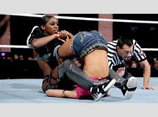 WWE SMACKDOWN RESULTS The Cougar in Charge Gives The