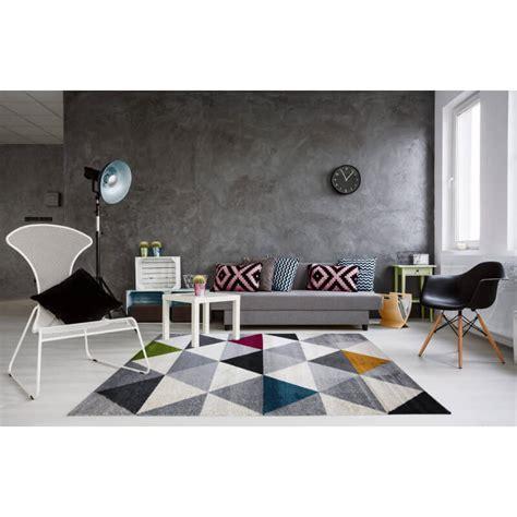 tapis geometrique style scandinave multicolore pour salon gomi
