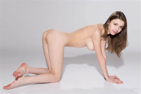 Erotic Adorable Ukrainian Playing mila azul@met