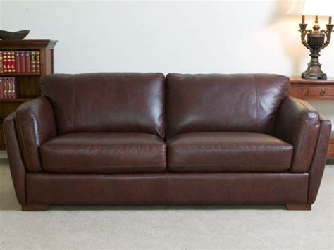 what to look for in a leather sofa what goes well with brown leather sofa for 2018 trendy