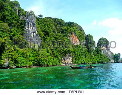 Fast Boat Phuket To Phi Phi by Speed Boat On Maya Beach Ko Phi Phi Island Phuket