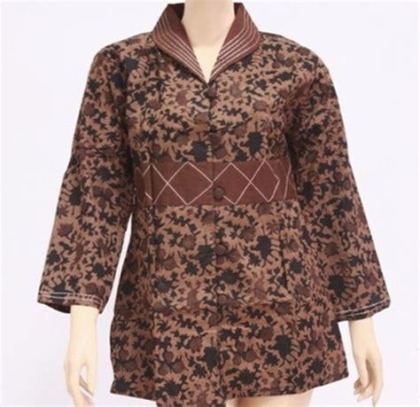 gambar model baju batik wanita terbaru