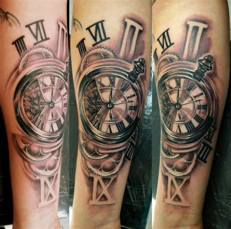 horloge rouages tattoo realise par aurelien tattoo