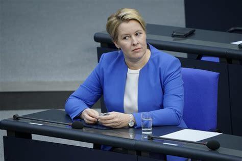 Geht man davon aus, dass das erste verfahren, das mit. Geheimes Gutachten: Ministerin Giffey täuschte 27 Mal in ...