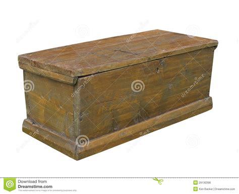 vieux coffre en bois rustique ordinaire d isolement photos libres de droits image 29130398
