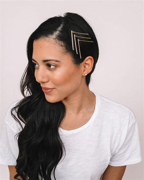 Sometimes simplicity is simply perfect Visible bobby pins