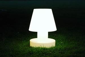 Lampe A Poser Sans Fil : lampe poser sans fil rechargeable h 90 cm blanc bloom ~ Teatrodelosmanantiales.com Idées de Décoration