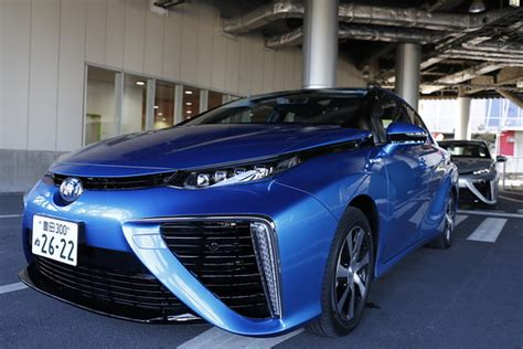 test driving toyotas  fuel cell car japan real time