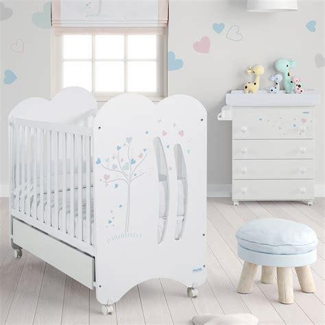 chambres pour bébé chambre bb chambre coucher complte pour bb le trsor de bb