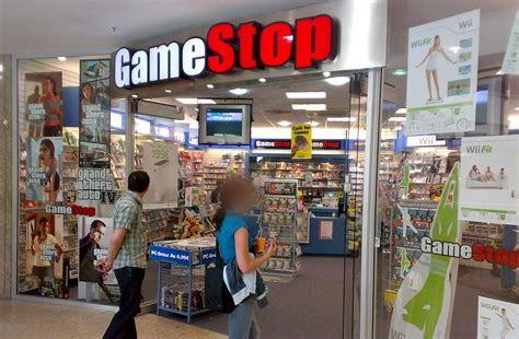 GameStop Will Close 250 Stores, Open 70 New Stores in 2013 ...