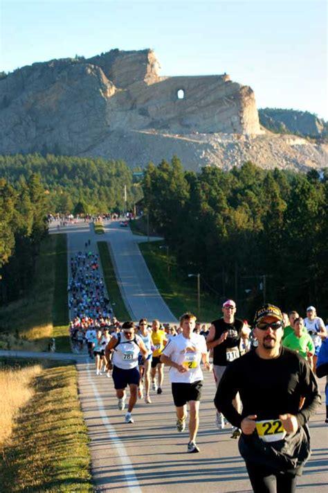 run crazy horse marathon  marathon   person