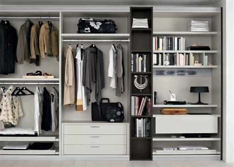 Pax Kleiderschrank Beispiele by Organize Your Wardrobe For Winter Pur Style