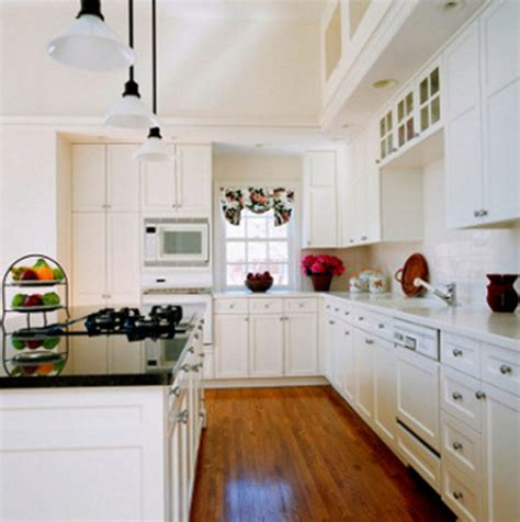 Decorating Ideas For Galley Kitchen by Best 90 Galley Kitchen Ideas 2018 Interior Decorating