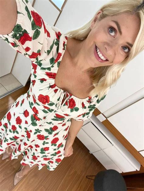 Holly Willoughby Just Wore the Cutest Summer Dress - Emana