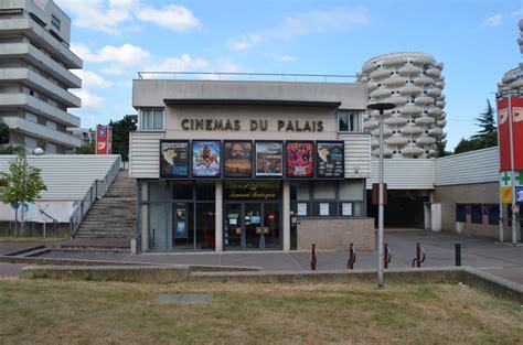 bureau de poste creteil cinemas du palais à en métro