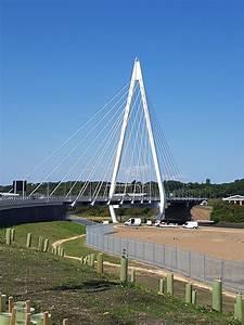 Northern Spire Bridge