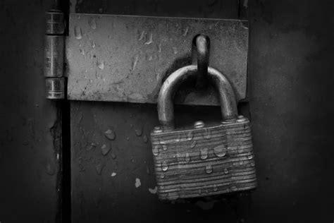 900x597px #840010 Locked (16627 Kb)  20062015  By Stephie