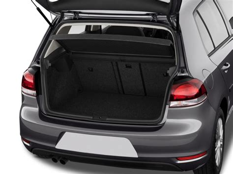 image  volkswagen golf  door hb auto trunk size