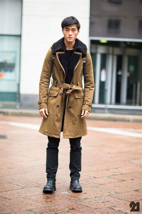 caramel trench coat black fitted jeans boots scarf