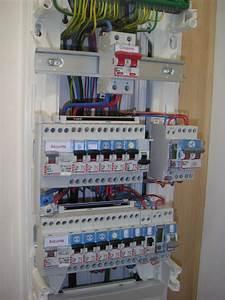 Changer Tableau Electrique : changer un disjoncteur ~ Melissatoandfro.com Idées de Décoration