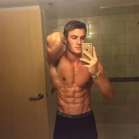 Pin On Shirtless Male Selfies