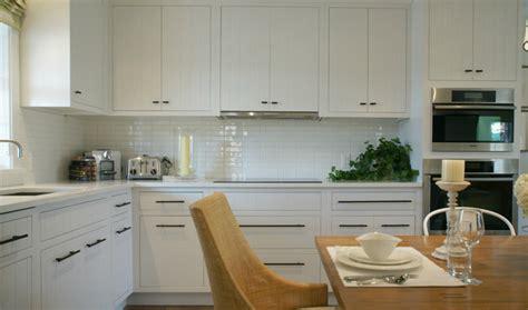 White Modern Kitchen Cabinets - Contemporary - kitchen