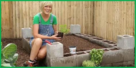 idee de genie cuisine faire un jardin en blocs de béton une idée de génie pour