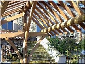 Palisaden Holz Rund : entrindetes halbiertes rundholz 18 24 cm garteneinfassung bretter ~ Frokenaadalensverden.com Haus und Dekorationen