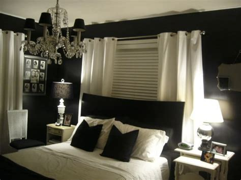 Bedroom Decorating Ideas Black And Cream Colorful