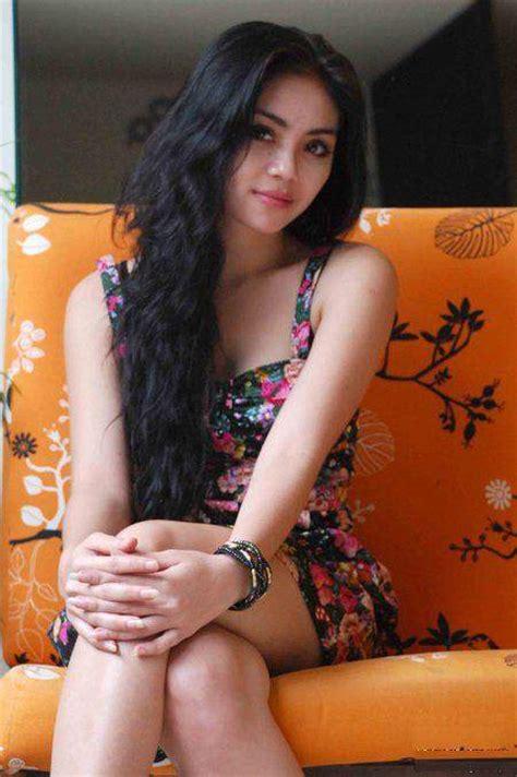 Cerita Sex Ngentot Ibu Bidan Cantik Foto Bugil 2016